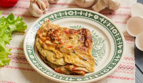 Omlete ar šampinjoniem un papriku