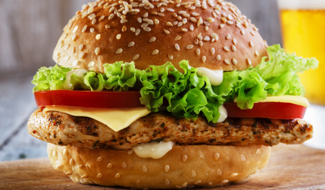 Vistas gaļas brokastu burgers