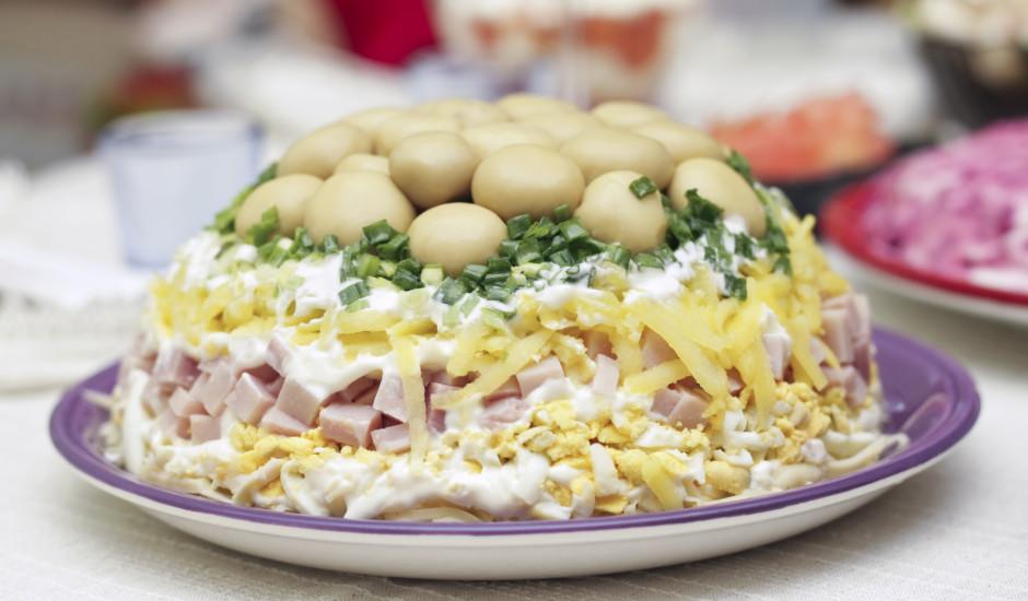 Kārtainie šampinjonu salāti