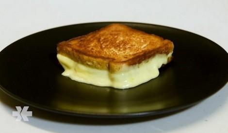 Divu sieru franču karstmaize