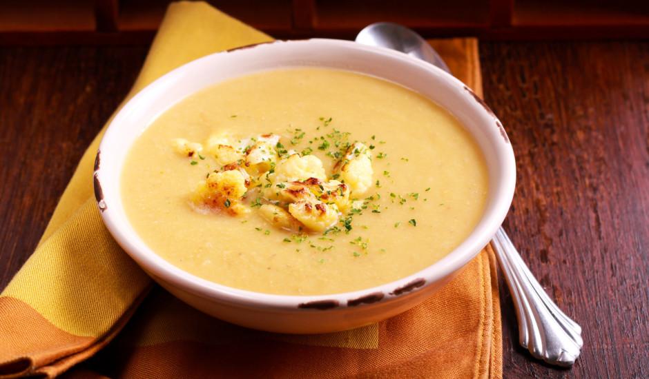 Ziedkāpostu zupa ar sieru