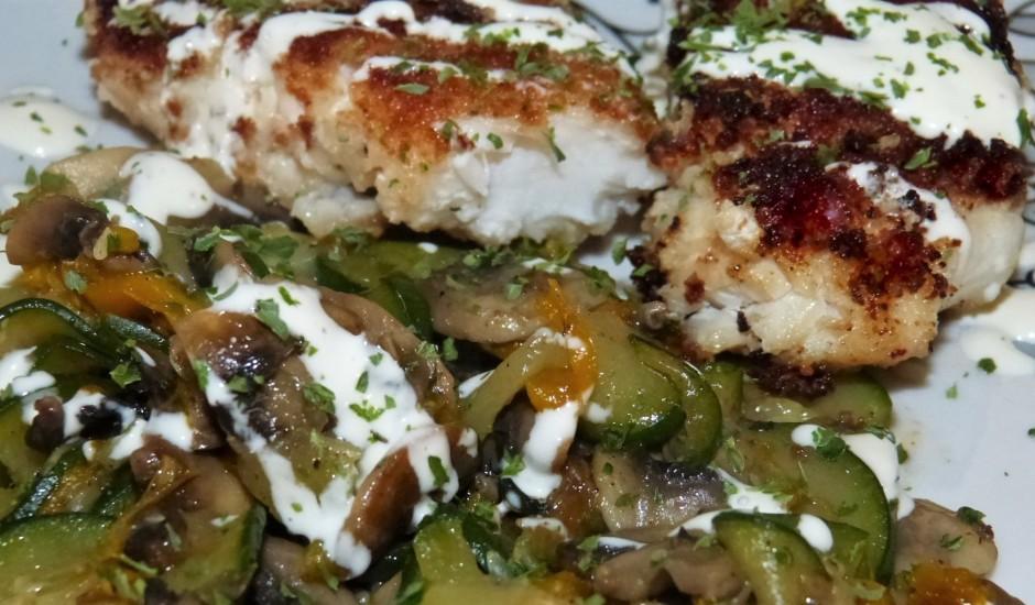 Cepta zivs fileja ar dārzeņiem un sēnēm