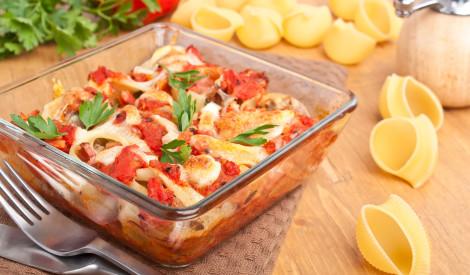 Makaronu sacepums ar šķiņķi un tomātiem