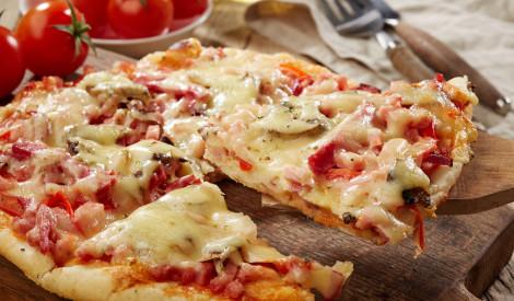 Piektdienas baudījums - picas šķēle! 5 receptes izvēlei!