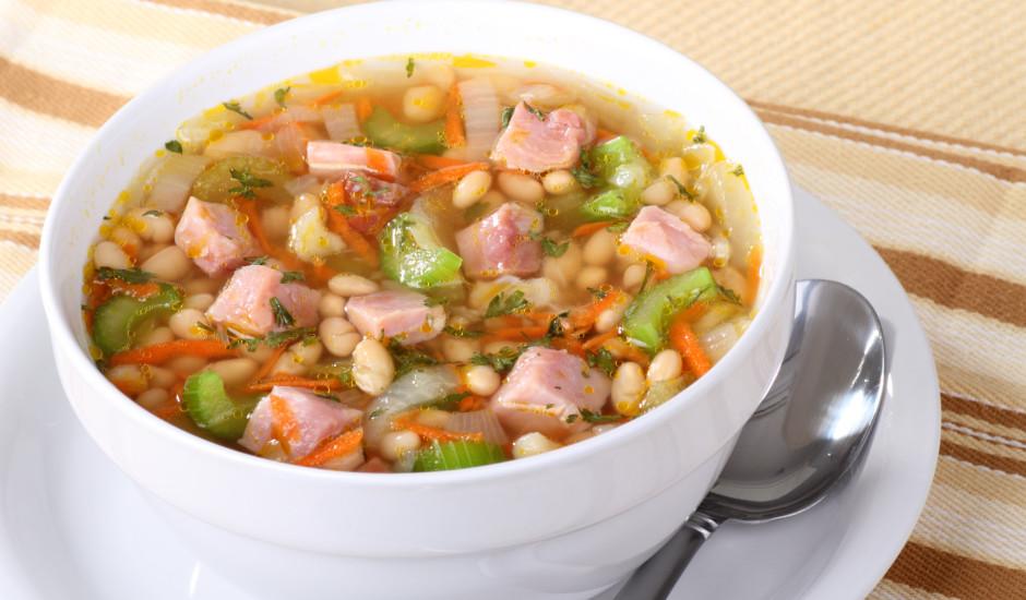 Ātri pagatavojama pupiņu zupa ar žāvētu gaļu
