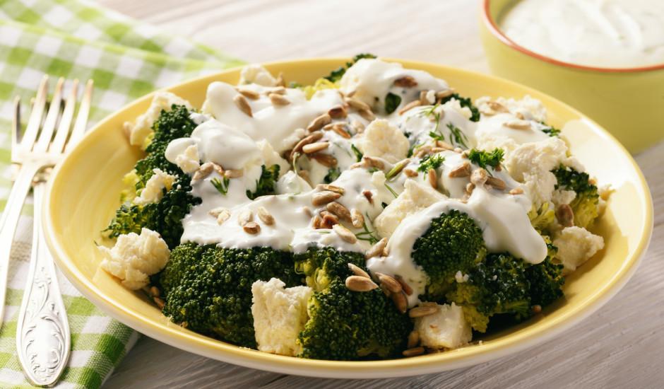 Brokoļu - fetas siera salāti