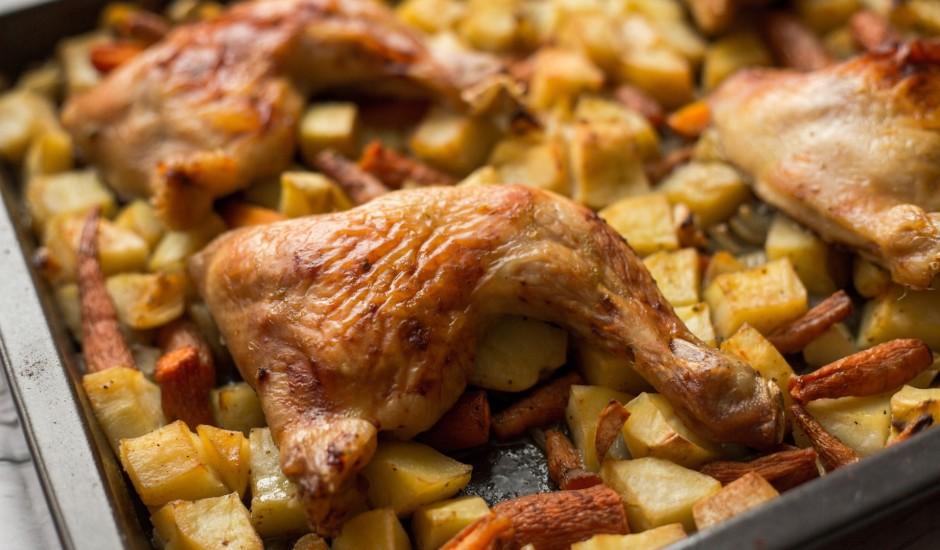 Vienkārša, bet garšīga vistiņa ar kartupeļiem un burkāniem