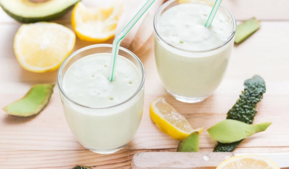 Avokado - jogurta kokteilis