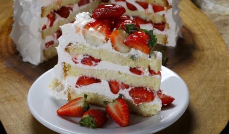 15 viegli gatavojamas tortes un kūkas