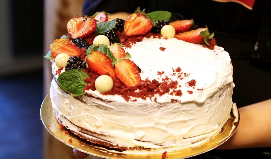 Māmiņdienas samta kūka