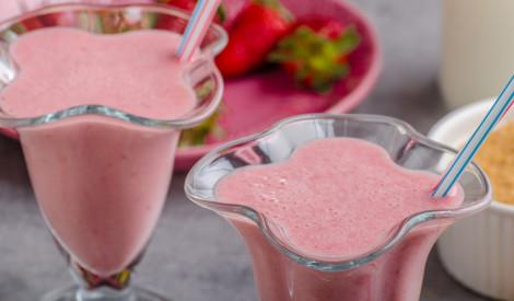 Vasaras ogu, saldējuma un piena kokteilis