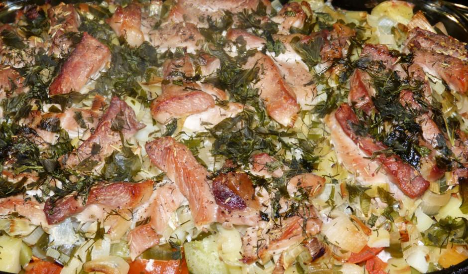 Dārzeņu un gaļas sautējums cepeškrāsnī.