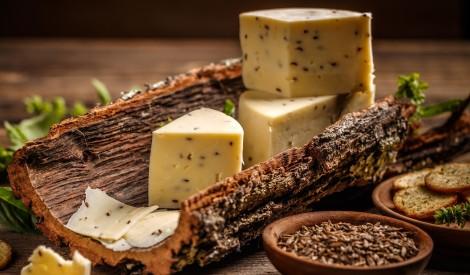 Maigais Jāņu siers