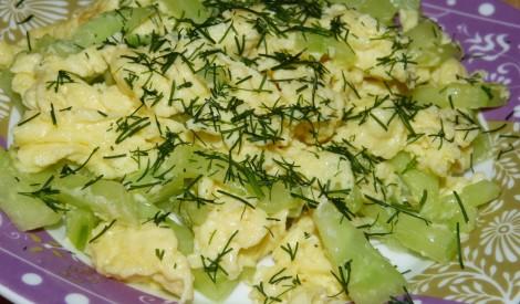 Olu kultenis ar svaigiem gurķiem