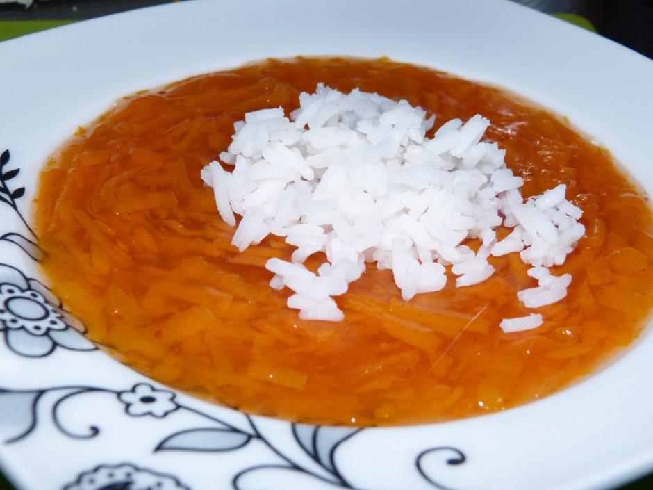 Atdzesēto zupu var pasniegt ar rīsiem vai auzu pārslām, kura...