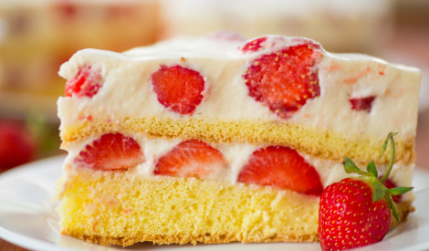 Biskvīta - zemeņu kūka