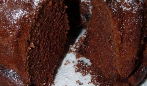 Tējas un šokolādes kūka.