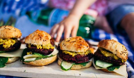 Biešu – pupiņu veģetārie burgeri