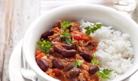 Čili con carne ar rīsiem