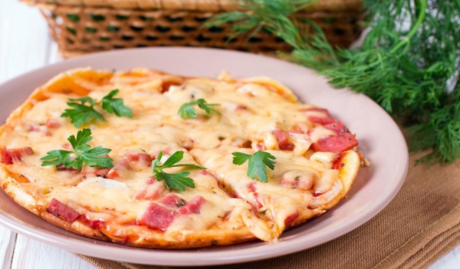 Pica parastā