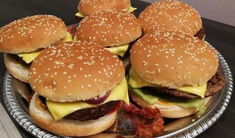 """Burgeri """"Gatavots mājās"""""""