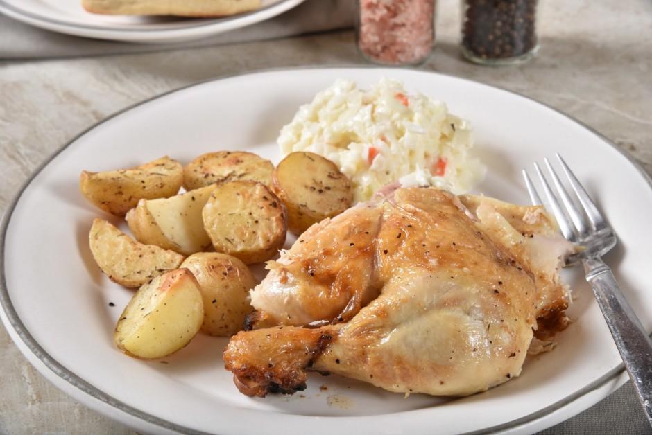 Blakus vistai sālī varat likt arī kartupeļus un citus dārzeņ...