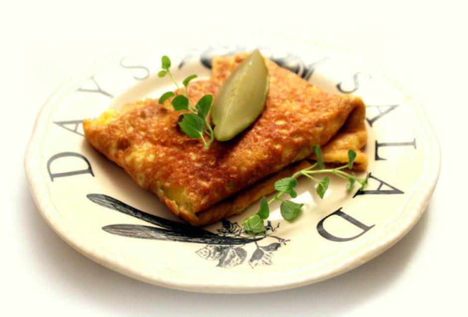 Tādā veidā omleti varam pildīt ar sev tīkamiem produktiem un...