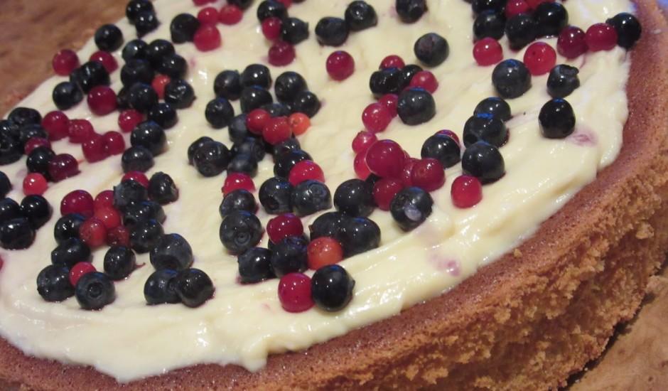 Mandeļu kūka ar vārīto krēmu
