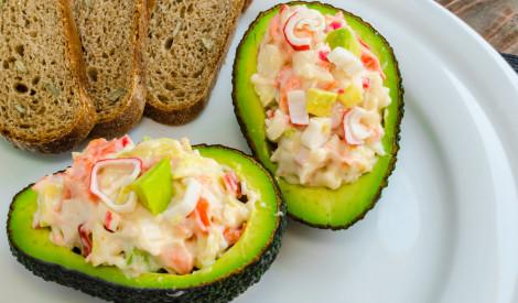 Krabju un avokado salāti
