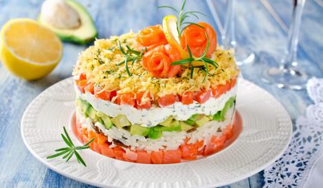 Kārtainie laša salāti