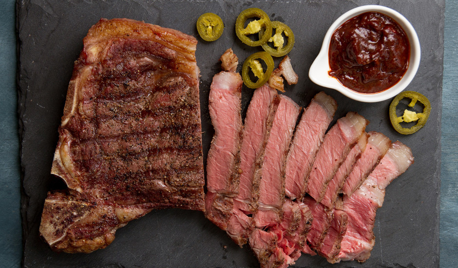 Striploin steiks
