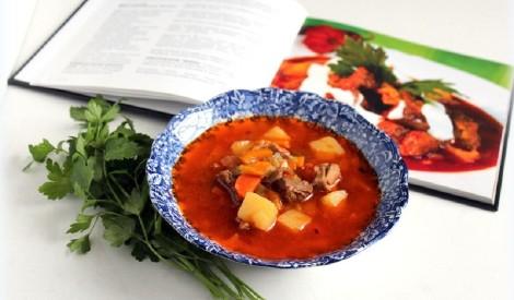 Gulaša zupa ar aitas gaļu