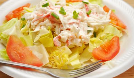Svaigie krabju salāti