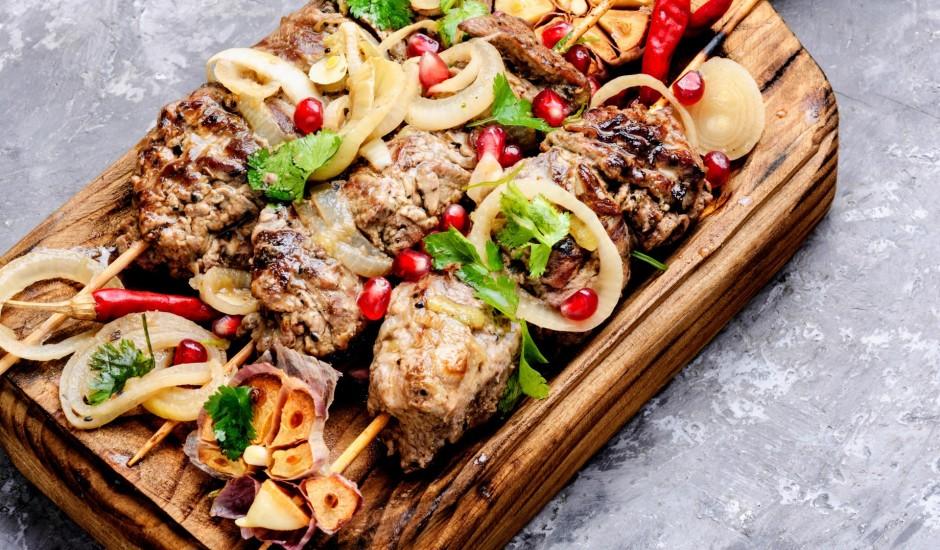 Liellopa gaļas šašliks ar kivi