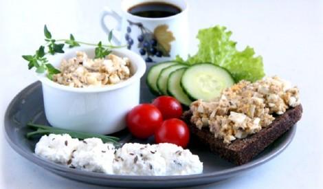 Salāti ar sardīnēm un vārītām olām