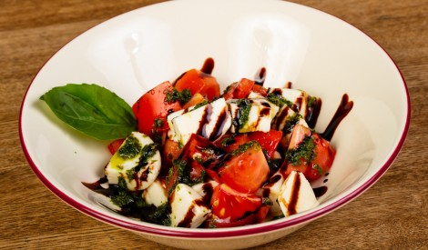 Tomātu salāti ar fetu grieķu gaumē