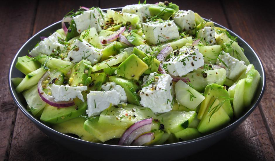 Avokado - gurķu salāti ar sieru