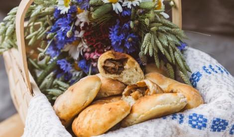 Vegāniskie pīrādziņi ar sēnēm un sīpoliem