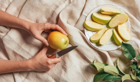 Sagriezts ābols: kā saglabāt šķēlītes baltas un kraukšķīgas?