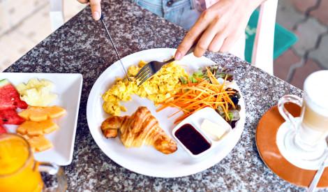 Kāpēc brokastis ir obligātas?  Skaidro dietoloģe