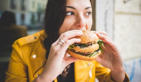Ēšana laimes sajūtai: 4 veidi cīņai ar ēdiena atkarību