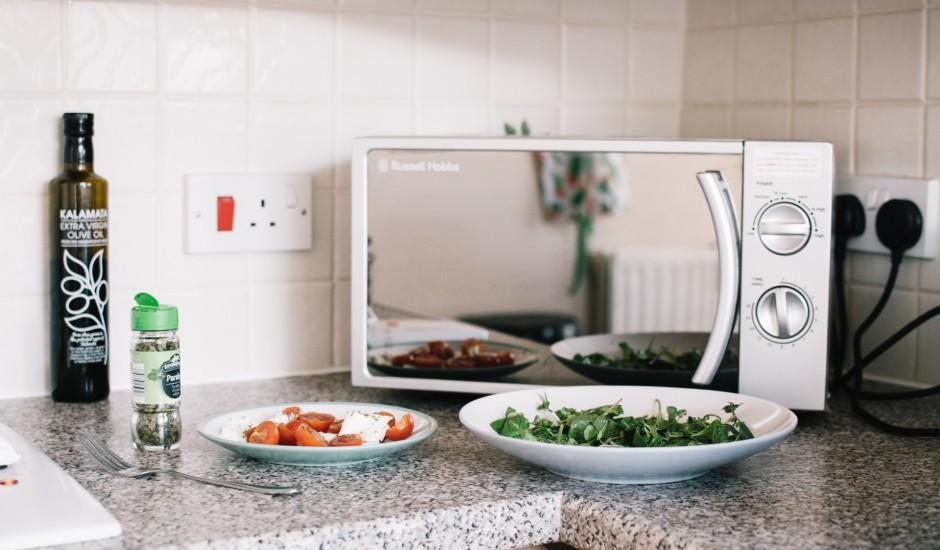 Uz ko spējīga tava mikroviļņu krāsns? Ne tikai ēdiena sildīšanu!