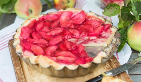 Vienkāršā ābolu tarte ar grenadīnu