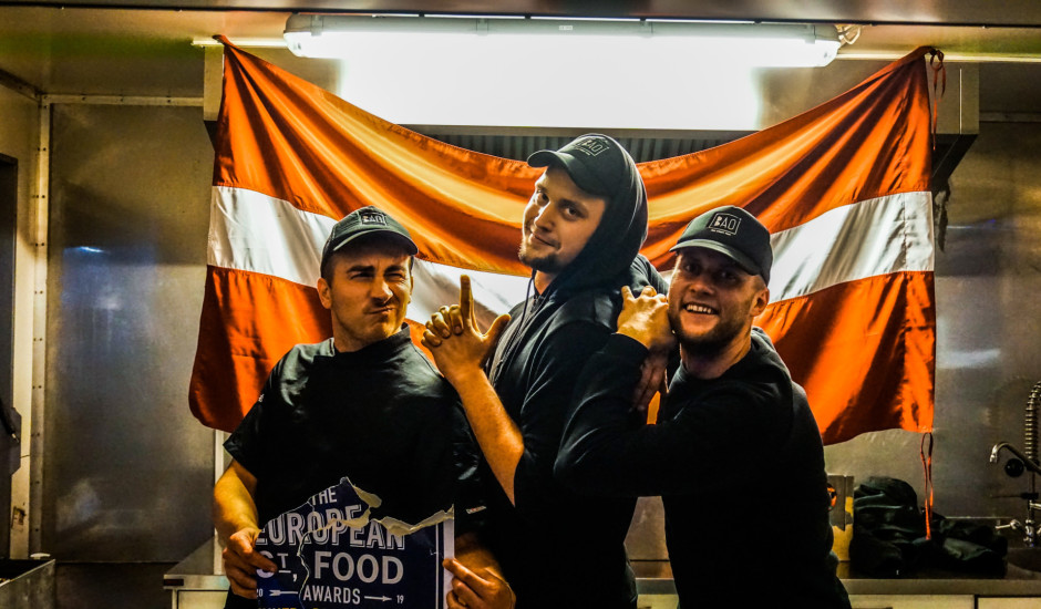 Mūsējie malači: latvieši gūst godalgas Eiropas street food sacensībās