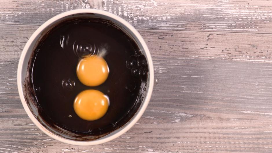 Pievieno olas un iemaisa masā.
