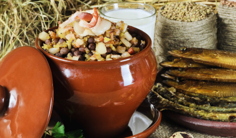 Īsteni latviskais tests: vai zini, kuram novadam raksturīgi šie ēdieni?