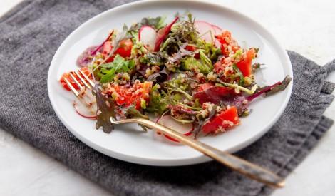 Salāti ar avokado un kvinoju