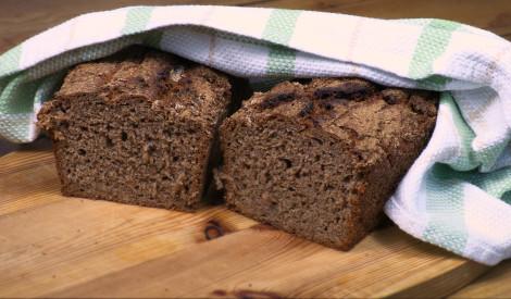 Tumšā ķiploku maize