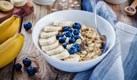 Auzu pārslas rīta cēlienam: 6 receptes iedvesmai