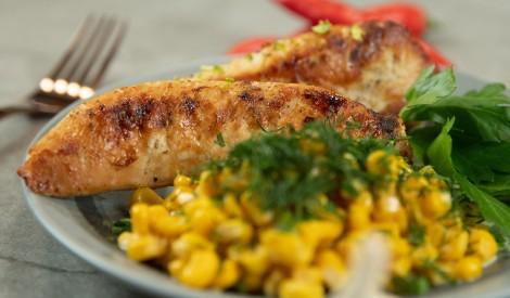 Cepta vistas fileja ar konservētu kukurūzu maigā mērcē